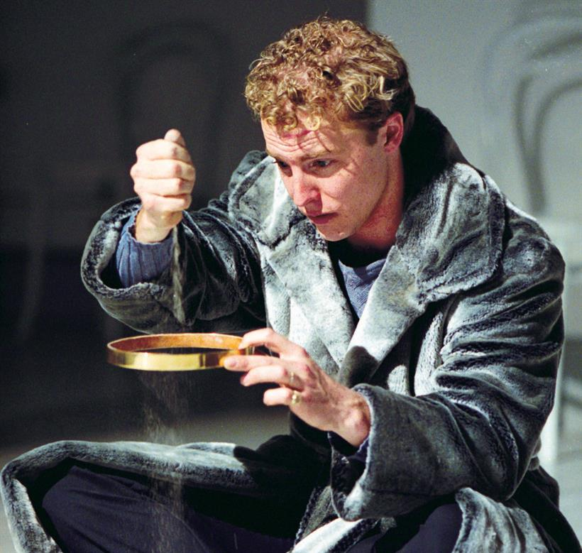 Samuel West as Richard II